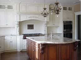 White Glass Backsplash by 12 Best Aspen White Granite Countertop Kitchen Design Images On
