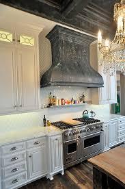 4 types of kitchen range hoods to transform your kitchen