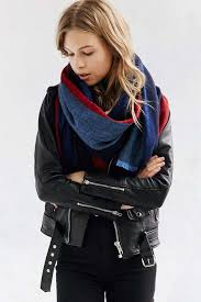 13 oversize scarves for cozy thanksgiving travel whowhatwear