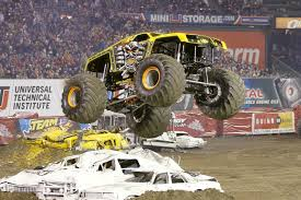 monster truck backflip videos maximum destruction driver tom meents returns to the carrier dome