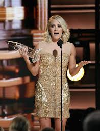 carrie underwood makes 12 perfect wardrobe changes at the 2016 cma