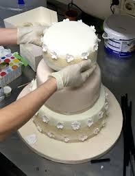 hochzeitstorte selbst gemacht meine erste 3 stöckige torte ist eine hochzeitstorte lekrativ