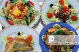 tunesische küche traditionelle tunesische küche jerba couscous brik salat