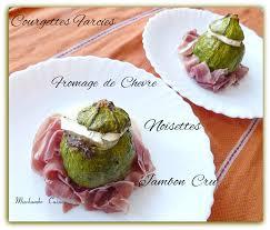 cuisiner la courgette ronde courgettes rondes farcies au fromage de chèvre et noisettes