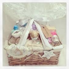 Baby Shower Baskets Best 25 Baby Hamper Ideas On Pinterest Baby Shower Baskets