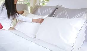 how to layer a bed how to make a bed crane canopy
