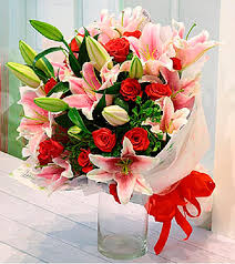 roses and lilies roses and lilies bouquet