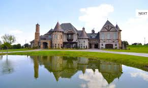 style mansions which tudor style mansion do you like best homes of the rich