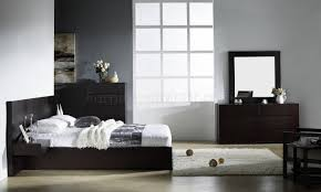 Modern Platform Bedroom Sets Bedroom By Beverly Hills Furniture In Wenge W Options