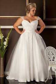 wedding dresses for larger best 25 curvy wedding dresses ideas on plus size