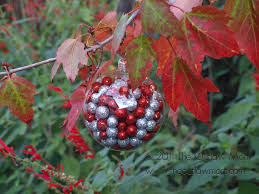 Easy Homemade Christmas Ornaments by 10 Homemade Christmas Ornaments Here Comes The Sun