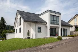 Haus Kaufen Schl Selfertig Häuser Individuell Geplant Und Massiv Gebaut Baumeister Haus