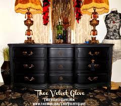 Vintage Henredon Bedroom Furniture Black U0026 Gold Vintage Henredon U2013 9 Drawer Serpentine Dresser