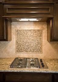 tile accents for kitchen backsplash 25 melhores ideias de travertino backsplash no