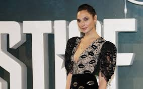 Blind Side Full Cast Gal Gadot Says Entire Cast Did Not Want Ratner Involved In U0027wonder