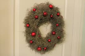 a coastal christmas spanish moss wreath u2022 charleston crafted