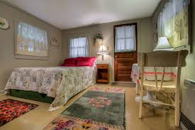 one room cottages one room cottages bed breakfast nh pet friendly hotel new