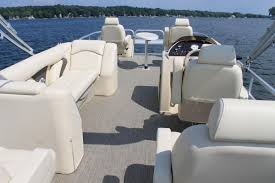 Pontoon Boat Floor Plans by Classic Fish Sunchaser Boats