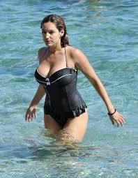 kelly brook bikini pics kelly brook swimsuit candids italy ischia 07 u2013 fabzz