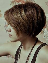 layer thick hair for ashort bob 40 short haircuts for girls with added oomph short textured bob