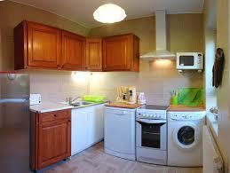 machine a laver dans la cuisine cottage morbihan merlevenez cottage britanny