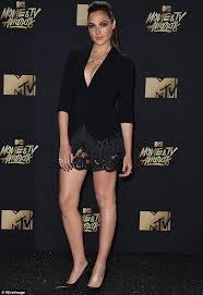 dress gal mtv tv awards gal gadot wears tuxedo top daily mail online