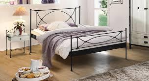Schlafzimmer Mit Metallbett Modernes Metallbett In Cremeweiß 140x200 Cm Ordino