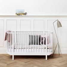 chambre bébé evolutive lit bébé évolutif en bois massif design scandinave oliver furniture