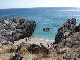 micro amoudi beach mapio net