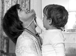 jacqueline kennedy pearls are always appropriate jackie kennedy onassis blog