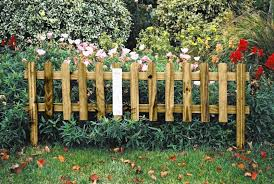 Simple Garden Fence Ideas How To Build A Garden Fence With Chicken Wire Simple Cheap