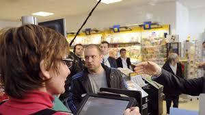 ouvrir un compte dans un bureau de tabac ouvrir un compte bancaire au tabac du coin c est pour bientôt l
