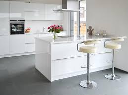 Wohnzimmer Ideen Fliesen Erstaunlich Moderne Fliesen Wohnbereich Auf Ideen Fur Haus Und