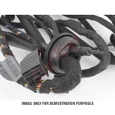 toyota hilux revo rear carrier bumper wiring harness and 7 pin plug