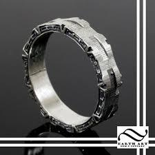 batman engagement rings jewelry rings geeky rings custommade batman wedding ring
