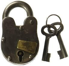 amazon com deco 79 01102 metal brass lock u0026 keys 3