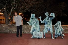 Haunted Mansion Costume Disney Photopass Memory Maker Service Explained Disney Every Day