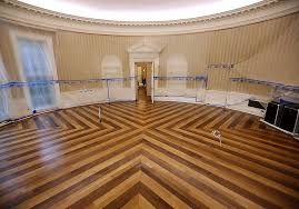 oval office makeover trump u0027s renovated work space pret a reporter