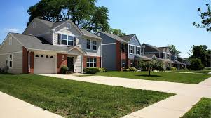 the properties at wright field at 5924 hickam drive dayton oh