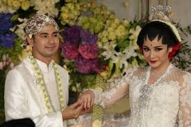 wedding dress nagita slavina intip keseharian raffi ahmad dan nagita slavina di janji suci