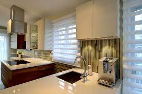 le pour cuisine moderne une cuisine moderne au centre d une aire ouverte colobar