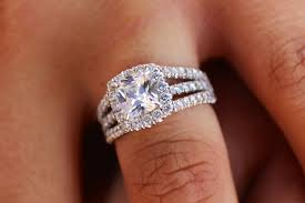 how much to spend on engagement rings here s how much dakotans spend on engagement rings