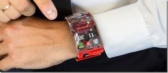 bracelet iphone images Iphone 5 bracelet concept iphone 5 bracelet at new hi tech gadgets jpg