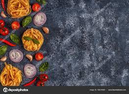 les fonds de cuisine fond de la cuisine italienne avec des pâtes des épices et des