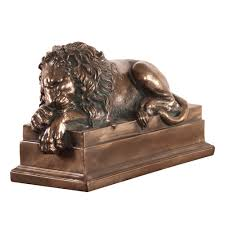Outdoor Lion Statue by Left Facing Bronze Lion Statue 91009 The Home Depot