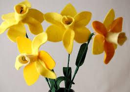 free springtime craft tutorial felt daffodils whileshenaps com