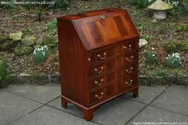 traditional desks second hand household furniture buy and sell