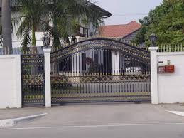 varieties house gate design that can be appropriate for a person