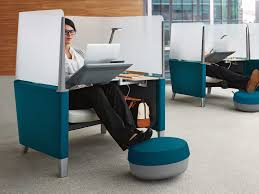 Scratch And Dent Office Furniture by Best 20 Modular Workstations Ideas On Pinterest Office