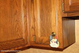 how to clean wood veneer kitchen cabinets cleaning wood kitchen cabinets cleaning wooden kitchen cabinets